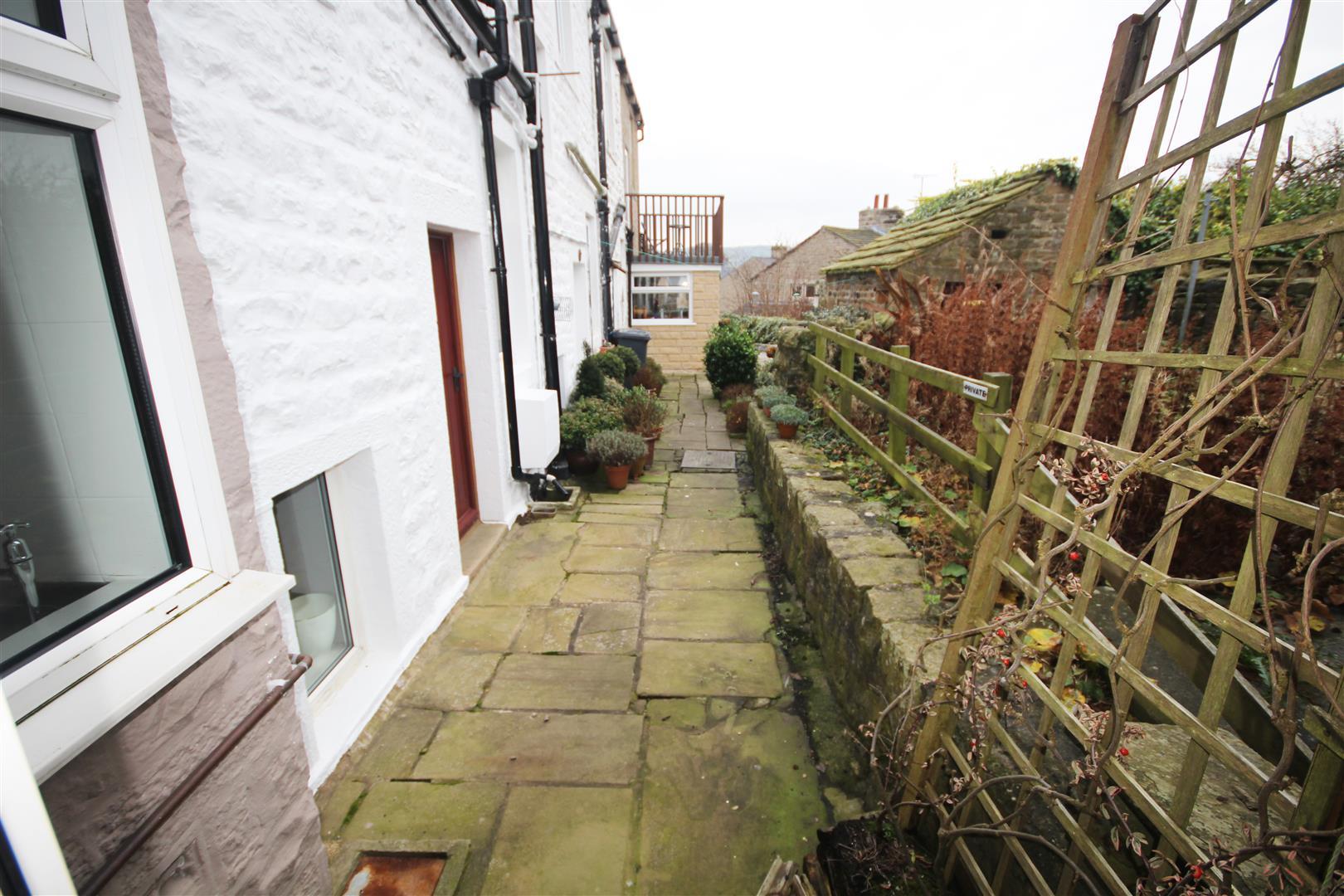 1 bedroom cottage To Let in Salterforth - 2016-12-19 13.43.46.jpg